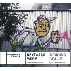 Czytając mury